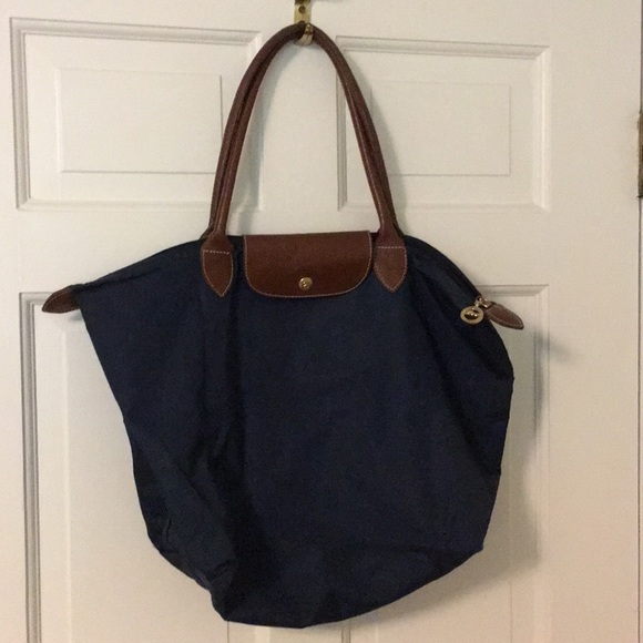 eb448789d1f0 Navy Blue Medium Longchamp Bag